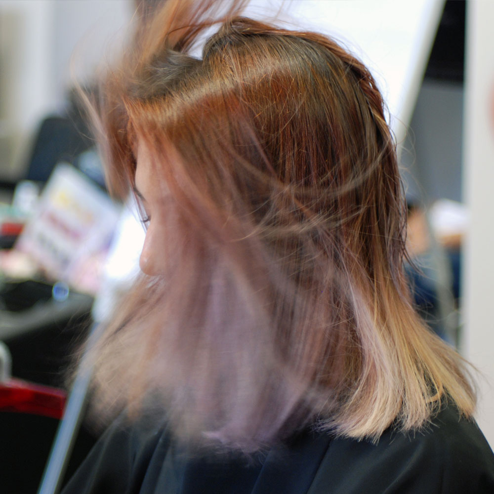 Modella rosa capelli | Kléral System