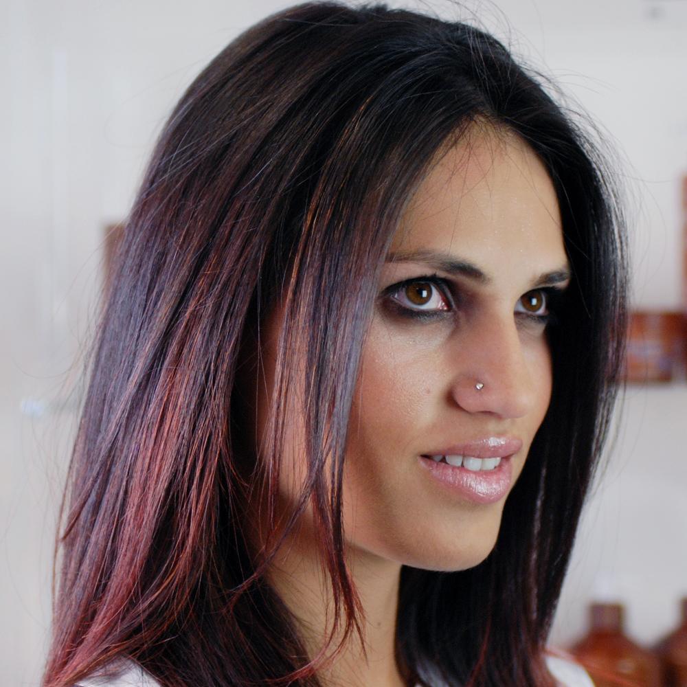 Modella capelli rossicci | Kléral System